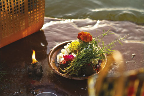 DSG_puja-offering-in-varanasi