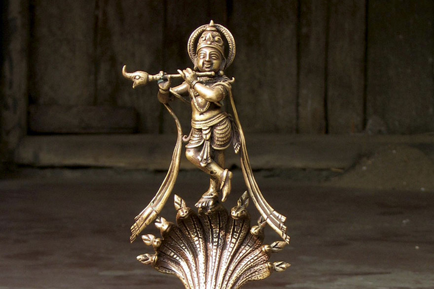 Krishna Statue playing the Flute on the serpent Kaliya