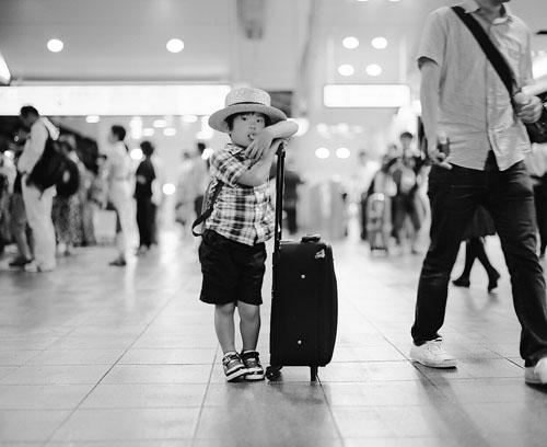 Dječak na aerodromu