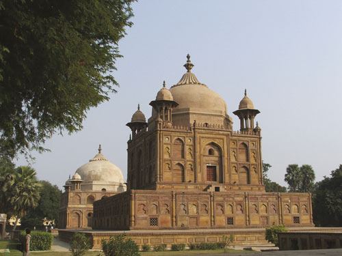 Allahabad_Royal Mughal Tombs in Khosrow Bagh