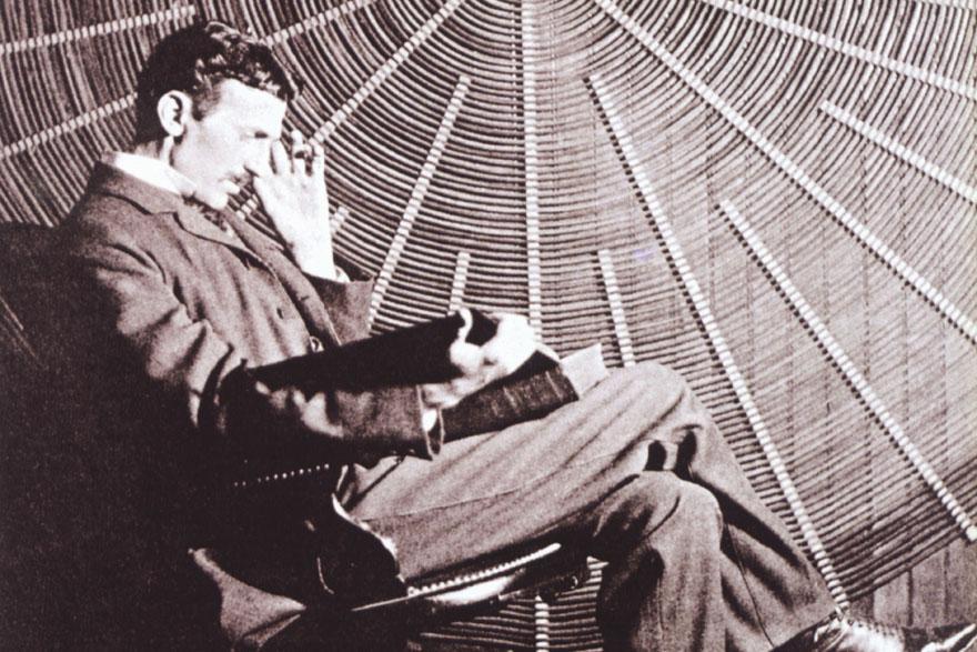 TESLA_U laboratoriju u East Houston_1901