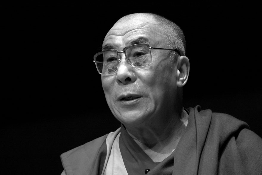 20070608-dalai_lama_speaking_at_monash_university-print