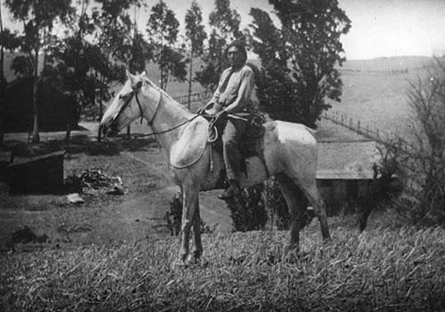 ishi_horseback