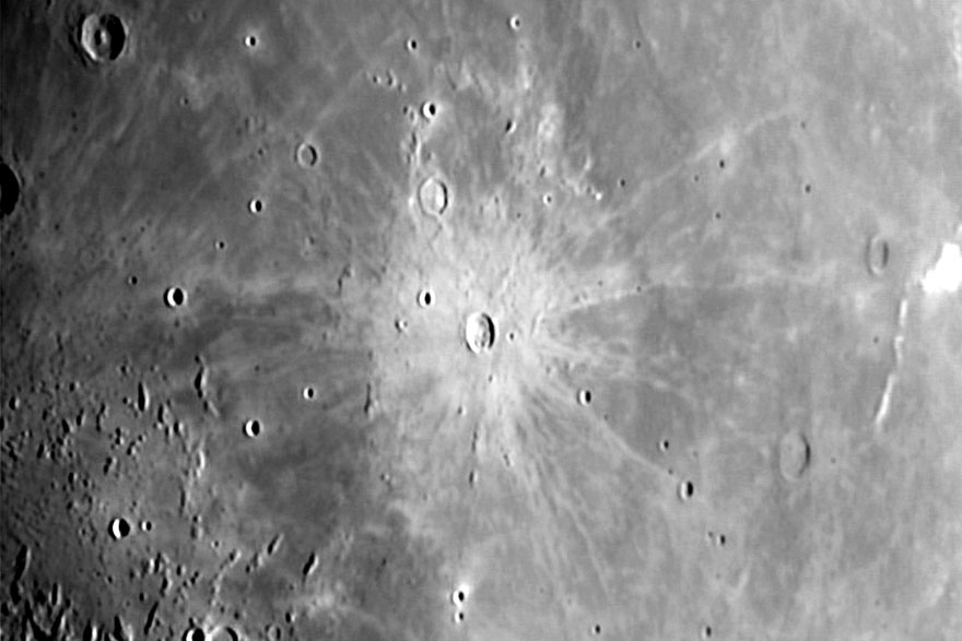 Krater na Mjesecu nazvan po Kepleru.
