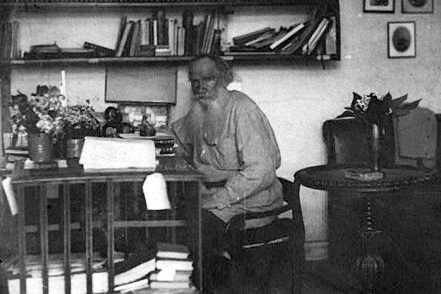 Leo_Tolstoi-pisac