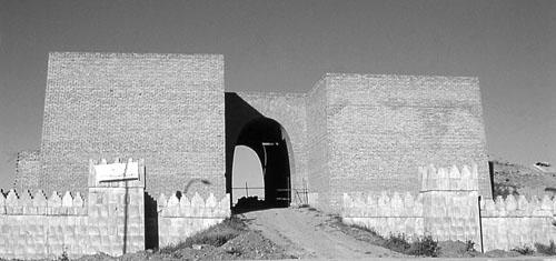 Pogled na rekonstruirana Maškijeva ulazna vrata s istočne strane.