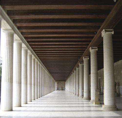 Atalova stoa na istočnoj strani atenske agore. Izgradio ju je u II. stoljeću pergamonski kralj Atalos II kao dvokatnu građevinu s nizom raskošnih dućana u prizemlju i na katu. Pedesetih godina prošlog stoljeća građevina je u potpunosti rekonstruirana, a danas se u njoj nalazi muzej.