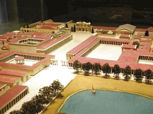 Rekonstrukcija i plan Mileta, koji je bio jedan od najboljih primjera pravilnog Hipodamovog urbanizma. Tijekom VI. i V. stoljeća grad se razvio u najveću trgovačku i političku silu na istočnom Sredozemlju, te je i sam osnovao devedesetak novih kolonijalnih gradova.