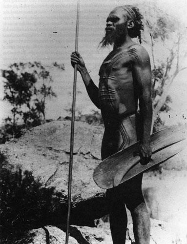 Za Aboridžine brazgotine i ožiljci po tijelu naglašavaju ljepotu jer otkrivaju nutarnju snagu, hrabrost i izdržljivost.