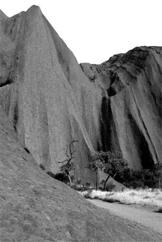 ZANIMLJIVOSTI_Uluru obronak