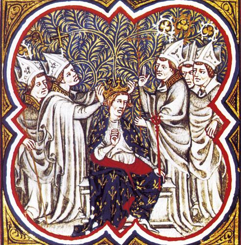 Karlo Veliki je okrunjen za cara Svetog Rimskog Carstva na Božić 800. godine u Rimu. Vjerom odan kršćanskoj crkvi, a očaran sjajem i moći Rima, Karlo je cijeli svoj život nastojao stvoriti jedinstveno carstvo po uzoru na Rimsko.