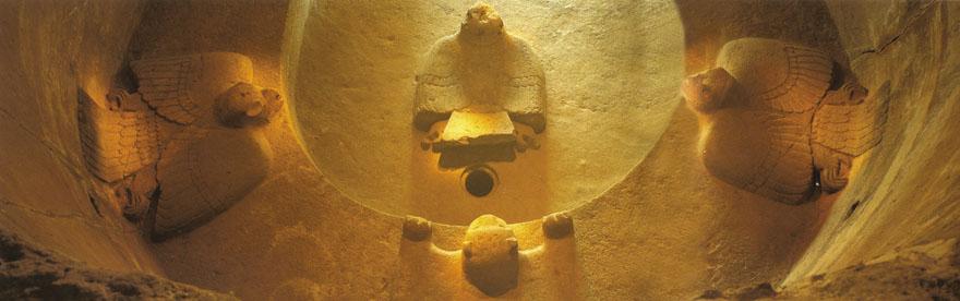 Kružno svetište viteških redova orla i jaguara u Malinalcu izdubljeno je u živoj stijeni.