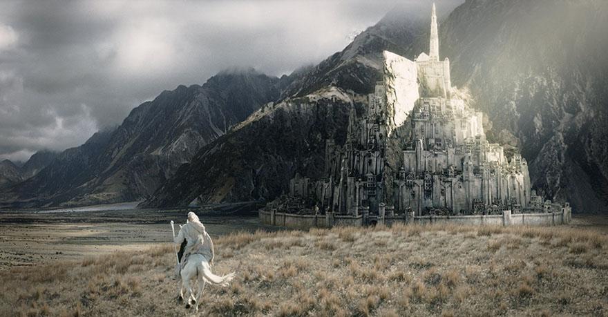 Minas Tirith i Gandalf