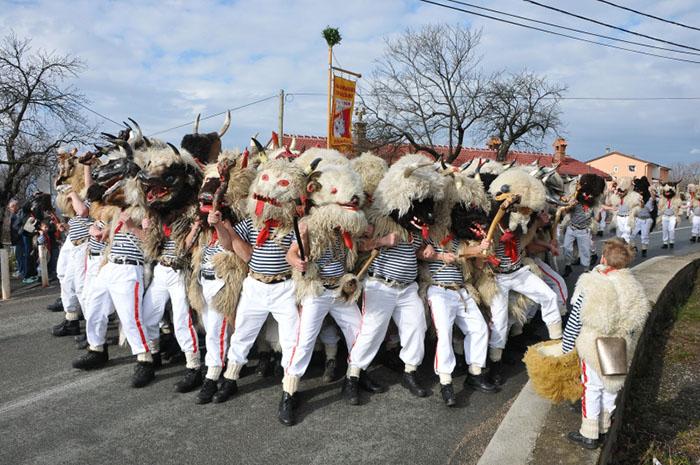 O karnevalu TZ Viškovo