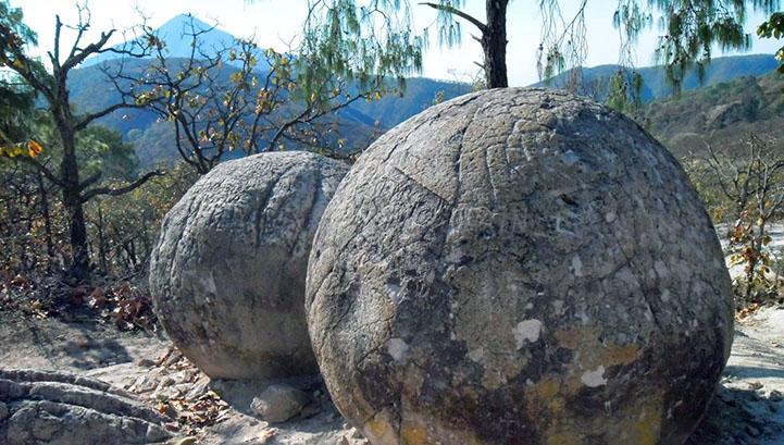 zagonetne-kamene-kugle