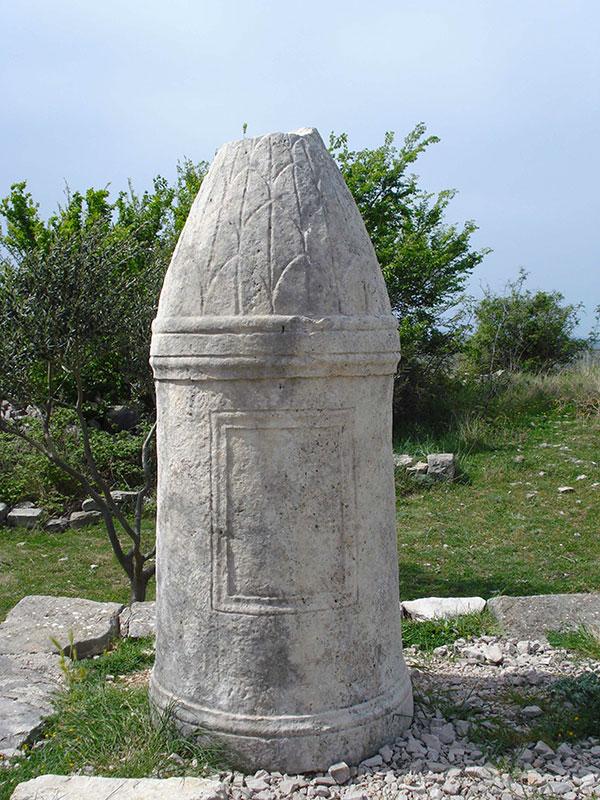 Cipus, Asseria.