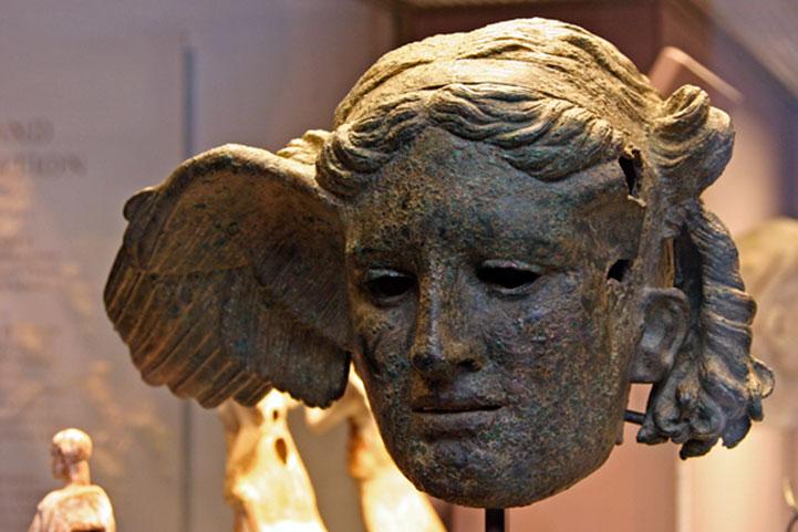 broncana-glava-Hipnosa-Britanski-muzej