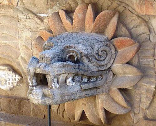 pernata-zmija-quetzalcoatl