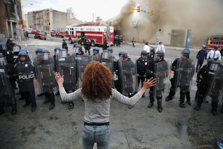 ceznja-za-promjenom-djevojka-s-policijom