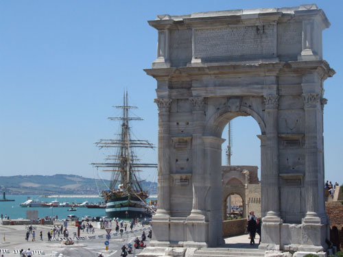 Trajanov slavoluk u  Anconi