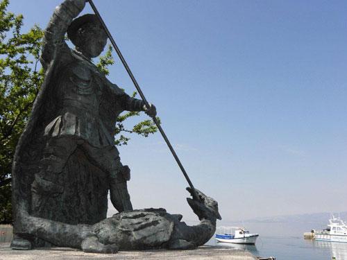 sveti-juraj_statue