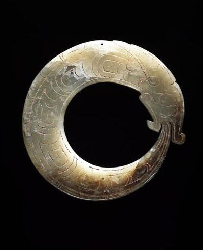 6195daa1f737438fe10505876a836a9d--dragon-pendant-jade-pendant