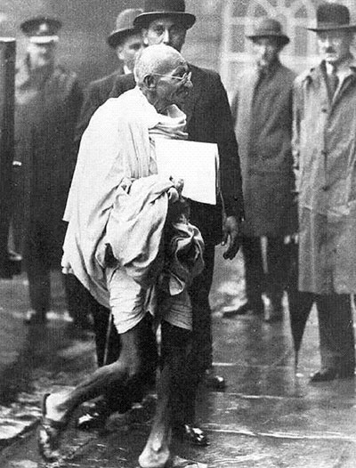 Gandhi-odlazak-na-caj-1931