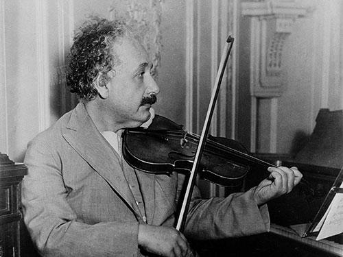 albert-einstein-s-violinom