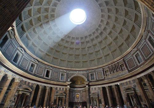 Hadrijanov-rim-pantheon-oculus