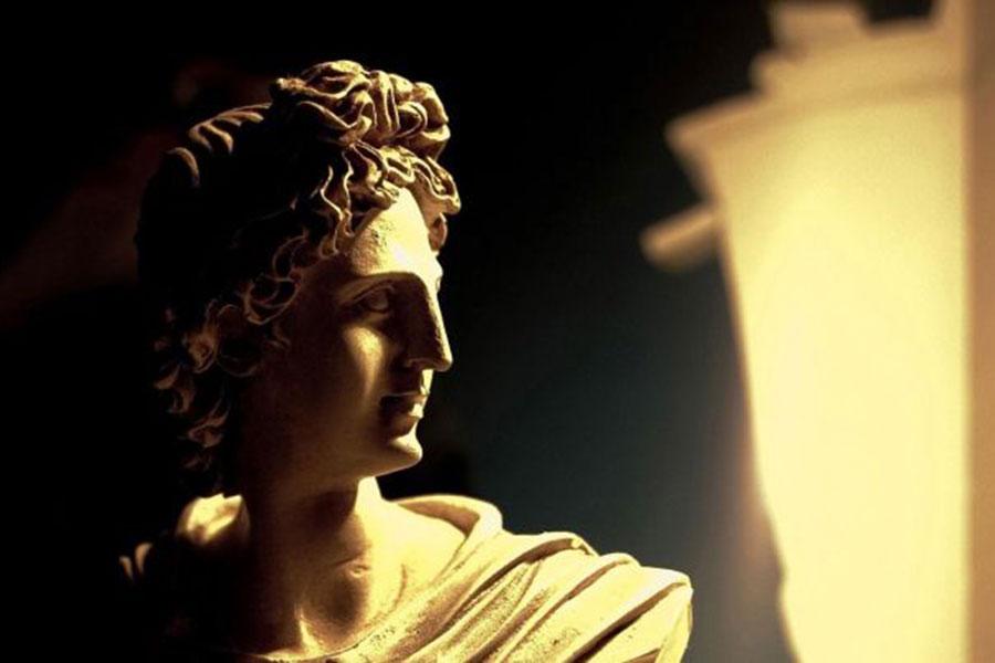 uvodnik-statua