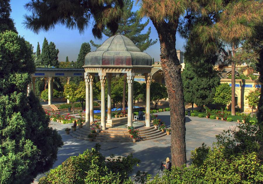 Dvadeset godina nakon Hafizove smrti u Širazu mu je podignut mauzolej – Hafezieh, usred ružičnjaka, kanala s vodom i stabala naranči. Sadašnji je izgrađen na mjestu ranijeg spomenika, a projektirao ga je francuski arheolog i arhitekt André Godard krajem 1930-ih.